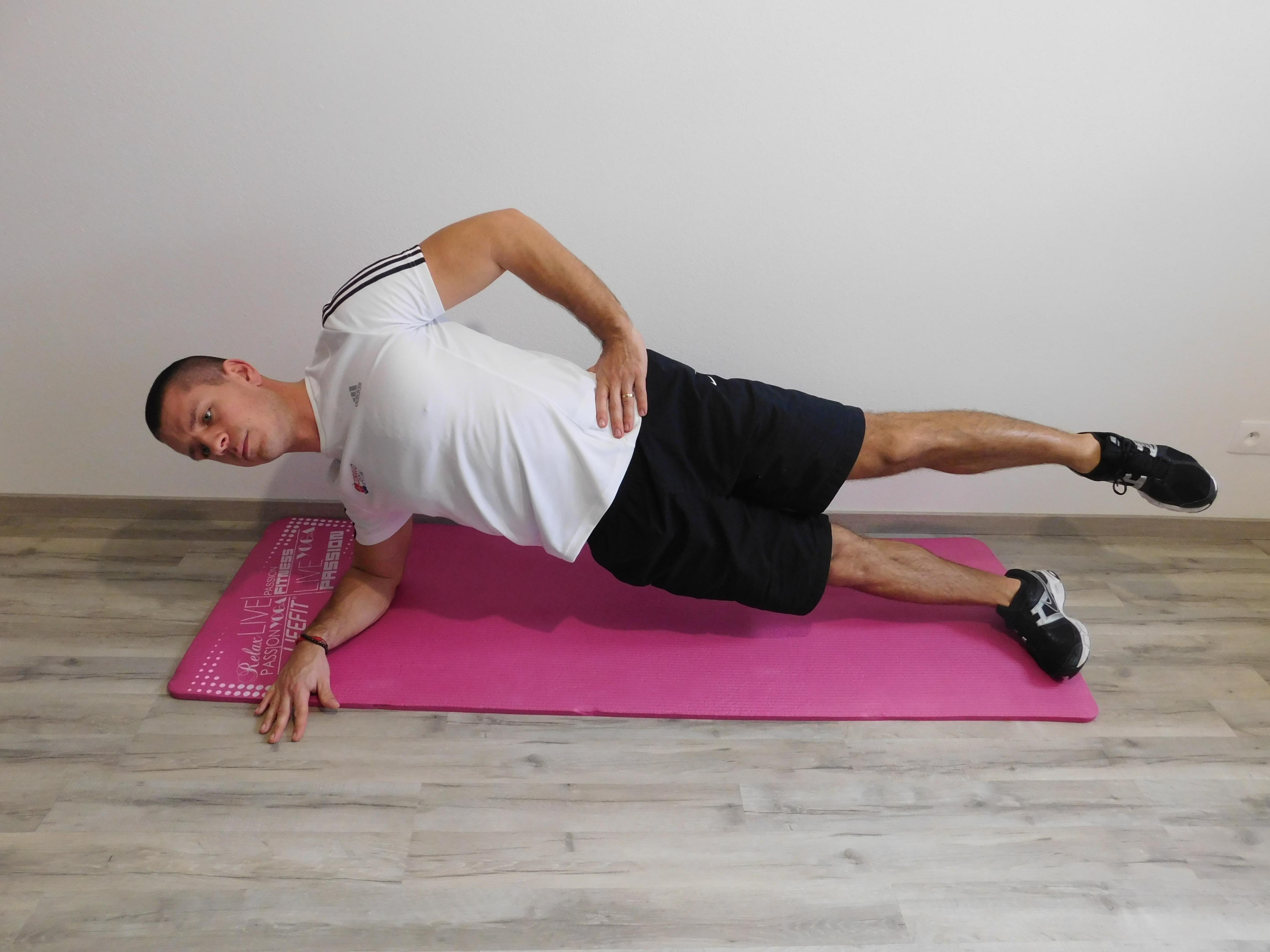 """Aktivačné cvičenia na """"core"""" protokol školenia Back to the core"""
