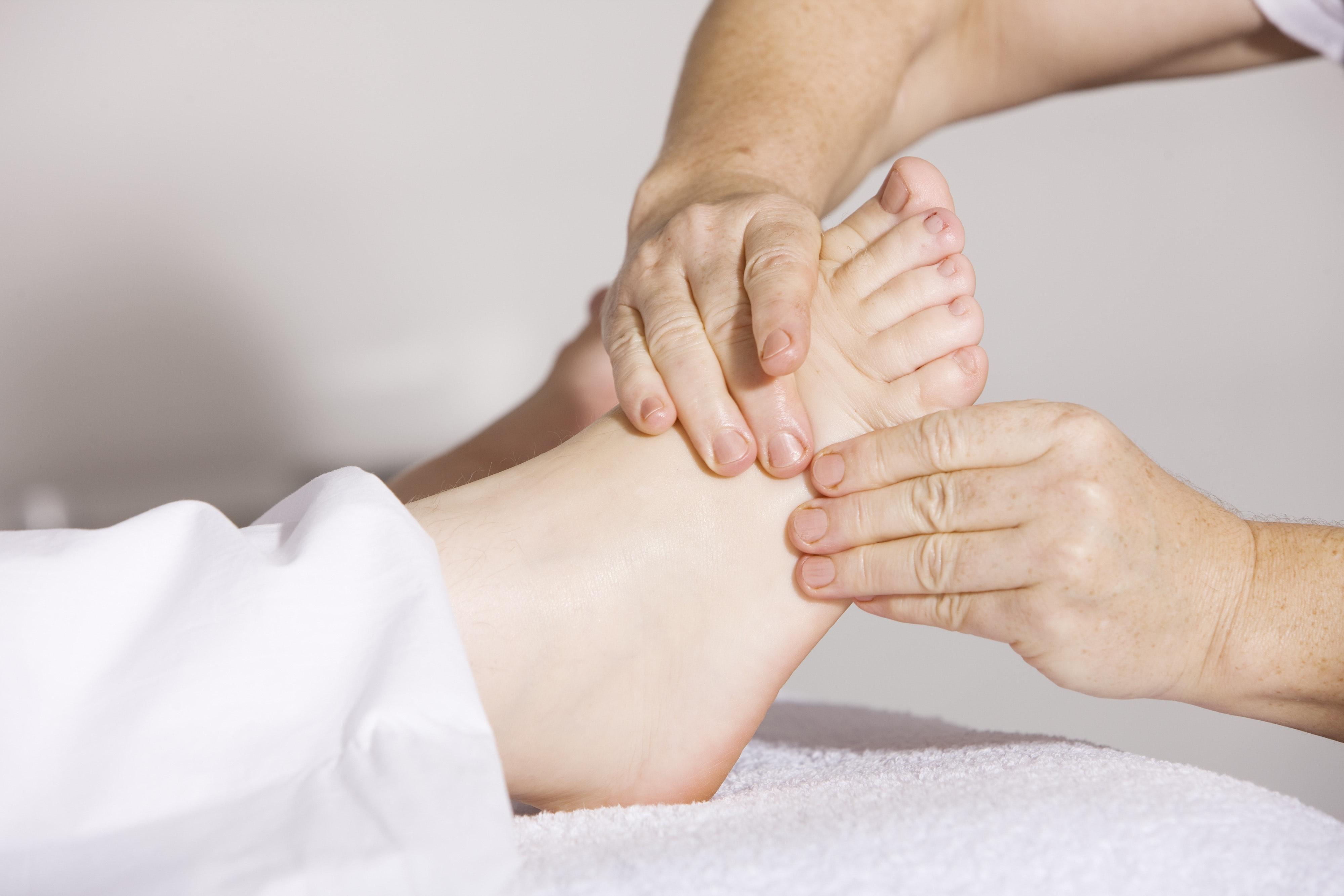 Je bolesť pri cvičení a športe práca pre trénera alebo fyzioterapeuta?